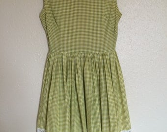 1950's Green Gingham Dress with Lace Detail
