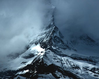 Matterhorn | Zermatt | Switzerland | Fine Art Photography | polychromatophil | White Winter | Snow | Mountain | Photo | Rocks | Mist | Fog