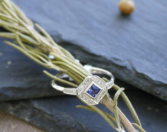 18K solid gold side-way cushion cut sapphire and diamond art deco ring