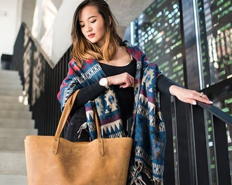 Elizabeth shopper tote bag  by Shalimov. Made of veg tanned calfskin leather. Lifetime warranty. Handmade.