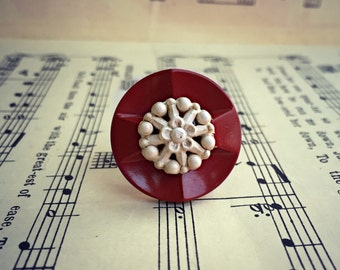 Vintage Button Ring - wine + lace