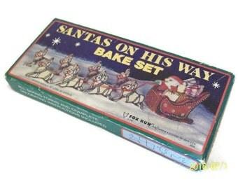 Vintage Cookie Cutter Bake Set   Santa's On His Way Bake Set   Sleigh & Reindeer Cookie Cutters