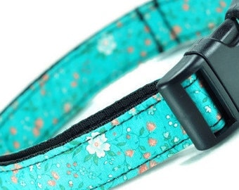 Floral Dog Collar - Adjustable M-L Dogs - Floral Dog Collar - Handmade Dog Collar - Made In Chicago - White Flowers - Green Collar