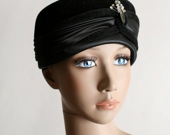 Vintage 1950s Pillbox Hat - Black Satin & Velvet Rhinestone Fancy Hat