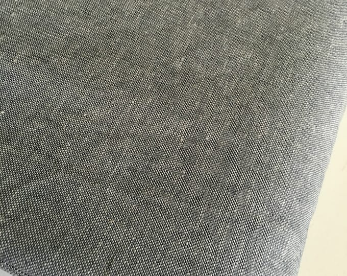 Essex Linen, Essex Yarn Dyed, Apparel Fabric, Quilt fabric, Cotton fabric, Gray Fabric, Linen fabric, Robert Kaufman, Essex in Graphite