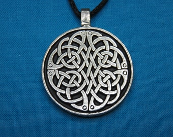 Small Circular Celtic Knotwork Pendant in Silver Pewter, Handmade, Handcast STK014