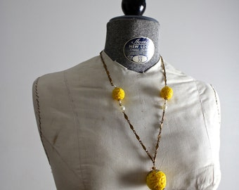 Orb Necklace • Gold Necklace • Yellow Orb Pendant • 60s Copper Necklace • Yellow Ball Necklace • 1960s Necklace • 60s Necklace • Goldenrod
