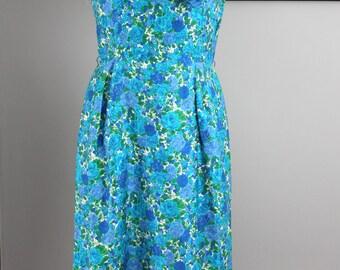 1950s Blue Floral Wiggledress