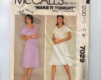 1980s Vintage Sewing Pattern McCalls 7029 Junior Teen Romantic Dress Size 9/10- 11/12  Bust 30 31 1980 80s UNCUT  99