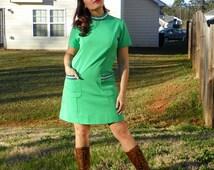 1970s Vintage Green Gogo Dress Green Shift Dress Navy Mint Folk Trim with Pockets Mock Turtleneck Lime Green Dress Size Medium