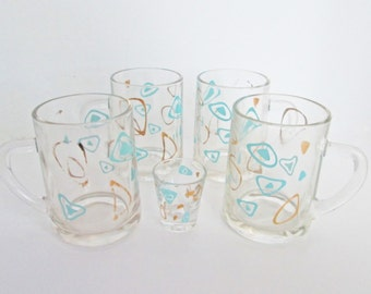 Amoeba Boomerang Beer Mug Glass, four mugs and a shot glass, aqua turquoise mid century Federal Glass Tankard Stein Cups, Atomic Eames Era