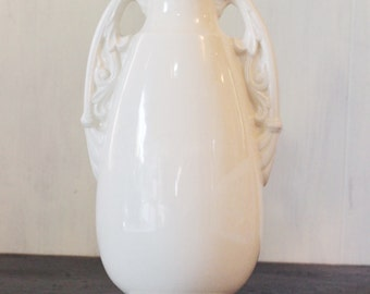 vintage USA Pottery vase - cream Art Deco ceramic vase