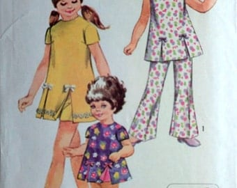 Vintage 70's Simplicity 8717 Sewing Pattern, Girls' Jiffy Play-Dress, Shorts And Bell-Bottom Pants, Size 4, 23 Breast, Retro, Easy to Sew