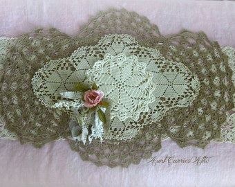"Doily Table Runner Rustic Wedding Table Linens Doily Design  28"" x 15"""