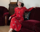 Vintage 1940s Dress - Stunning Handmade Novelty Print 40s Silk Skirt Set with Corseted Ladies in Black and White on Red