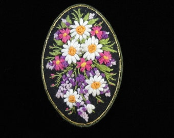 Embroidered Flower Brooch- Vintage Textile Floral Bouquet Brooch Pin- Daisy Flower Brooch- Fabric Brooch- Crewel Embroidery- Made in Russia