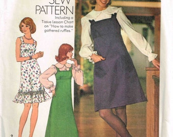 Sundress Jumper Dress Square Neckline Sewing Pattern Simplicity 7040 Misses Size 14 Bust 34 Vintage 1970s Ruffled Hemline Uncut
