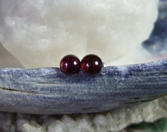 Red Garnet 5mm Round Stud Post Earrings Earings Titanium Ear Post and Clutch Hypo Allergenic