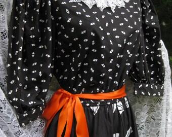 COTTON COLONIAL cute Pilgrim collar dress, vintage 1980s 80s black white collar dress, steampunk goth gothic dress, lace collar dress