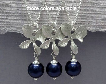 Navy Blue Necklace, Bridesmaid Neklace, Personalized Bridesmaid Gift, Orchid and Swarovski Night Blue Navy Pearl Necklace Maid of Honor Gift