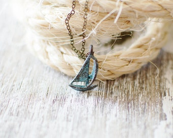 Sailing Boat Necklace. Yacht Necklace. Sail Boat Necklace. Patina Boat Necklace. Nautical Necklace. Ocean Necklace. Sea Necklace.