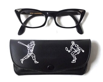 vintage 1950's NOS eyeglass case black hard shell eye glass eyewear mid century modern retro accessories accessory athlete sports men women