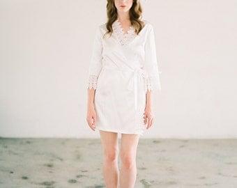 Margot Bridal Lace Robe, Getting Ready Robes, Wedding robes for bridesmaids, Bridal Robe, Lace Bridal Robe, Boudoir Robe, Silk Robe