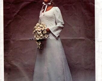 1960s High Waist Wedding Dress Pattern - Vintage Vogue Bridal Design 2253 - Bust 32 1/2