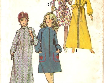 Bath Robe or Swimsuit Cover up -Vintage 70s Simplicity Pattern 9722 -Size Small 8 & 10 UNCUT