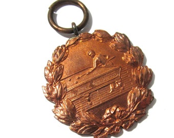 Vintage Brass Charm Athletic Award Medal School Pool Player Billiards Laurel Wreath Key Fob One (1) Medal Brass Jewelry Supplies (G168)