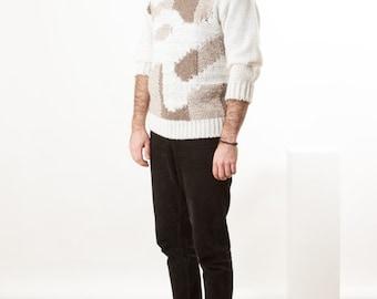 Abstract Long Sleeve Sweater / Vintage Oversized Jumper / Beige Weekend Shirt