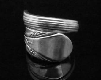 Vintage Decorative Spoon Ring, Inheritance 1941