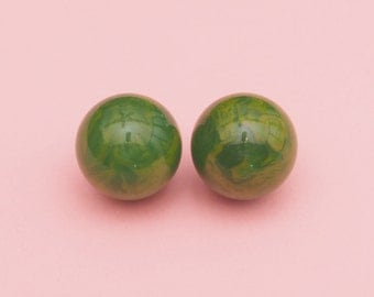 30s 40s Marbleized Bakelite Earrings// Green Bakelite Earrings// Vintage Bakelite Ball Earrings // Art Deco // Mod