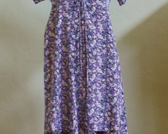 """Vintage 90's Jamie Brooke Small Floral Print Midi Short Sleeved Dress with Lace-Up Front Bust 35"""" Waist 35"""""""