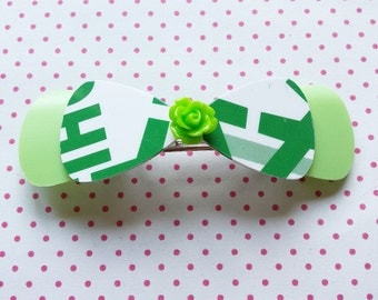 Green bow hairclip made of recycled creditcards and shampoo bottles (barrette) eco friendly - free shipping