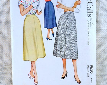 Vintage Pattern Simplicity 9650 Sewing pattern 1950s gored flared full skirt Waist 24