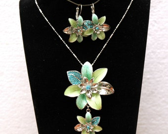 Turquoise Crystal Necklace, Jewelry Set, Flower Necklace, Flower Earrings, Silver Necklace Set, Crystal Necklace and Earrings