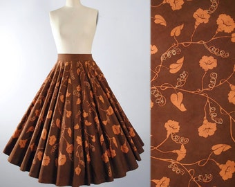 "Vintage 50s Mexican Full CIRCLE SKIRT / 1950s PAINTED Novelty Print Gold Vine Leaves Brown Floral Cotton High Waist  27"" 28"" Small Medium Sm"