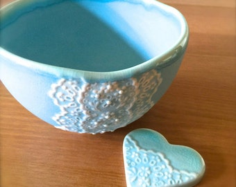 Handmade New York island blue Porcelain Lace matcha tea bowl, Ceramic Lace Bowl with Heart Lace Cutlery Rest Set -Hideminy Lace Series