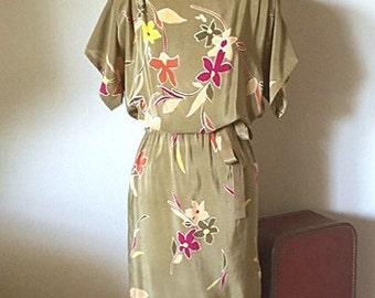 Bijou 70s/80's vintage silk print dress/  boatneck dress/ olive earth tone graphic tropical dress/ size small - medium