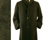 Mens Vintage 1960s Wool Coat -- Elegant Check Fabric Loomed in Italy -- Split Raglan Sleeve -- Medium to Large -- Chest 46