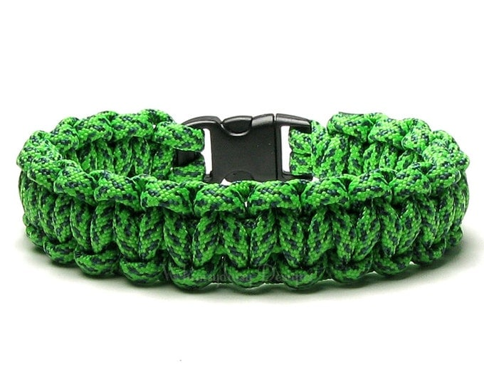 Paracord Bracelet Green Spec Camo Survival Accessory Bright Neon Gift For Teen Hunting Gear Camper Hiker Outdoors Safety Rope Biker Fashion