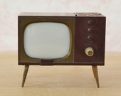 Vintage 1950s TV Salt and Pepper Shakers