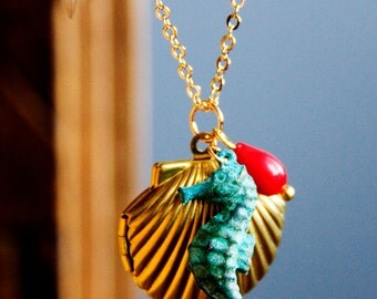 Seahorse Shell Locket Necklace Sea Shell Locket Patina Seahorse Necklace Seashell Locket Mermaid Necklace Ocean Jewelry Sea Necklace - N331