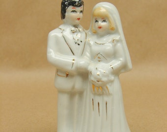 Vintage Bride Groom Ceramic Cake Topper Wedding Cake Decoration