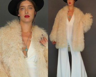 vintage creme Mongolian curly lambs wool oversized coat // hollywood fur coat // disco jacket // avant garde // size m