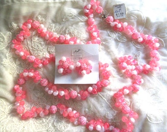 Mod 1960's Necklace Set Pink And White Sea Shell Earrings Hong Kong Original Tags! Vintage Costume Jewelry Beach Cruise MoonlightMartini
