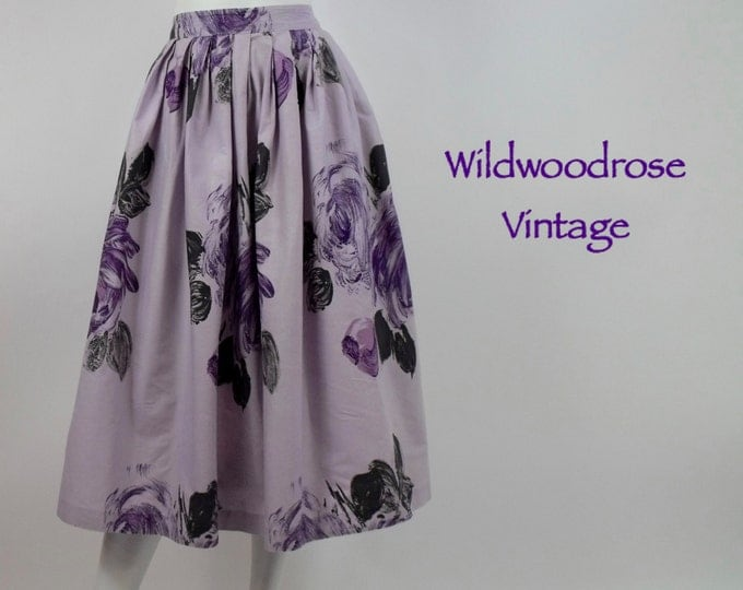 1950's Novelty Print Cotton Skirt with Built-In Tulle Crinoline / 50's Pleated Full Skirt / Purple Floral Cotton / Grease Skirt / 27 Waist