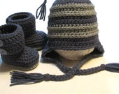 Ready to ship newborn to 3 months hat and booties set.  Unisex Christmas gift crochet baby booties and hat set.  Earflap hat and booties.