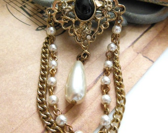 Vintage Antiqued Gold Black White Faux Pearl Chain Victorian Style Brooch E23